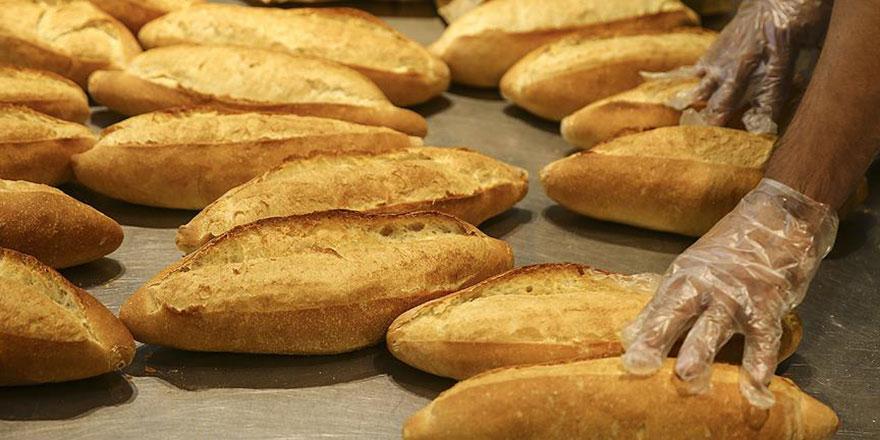 İhtiyaç sahiplerine 2 yıldır ücretsiz ekmek yardımı yapılıyor