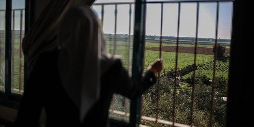 İsrail 14 Filistinliyi gözaltına aldı