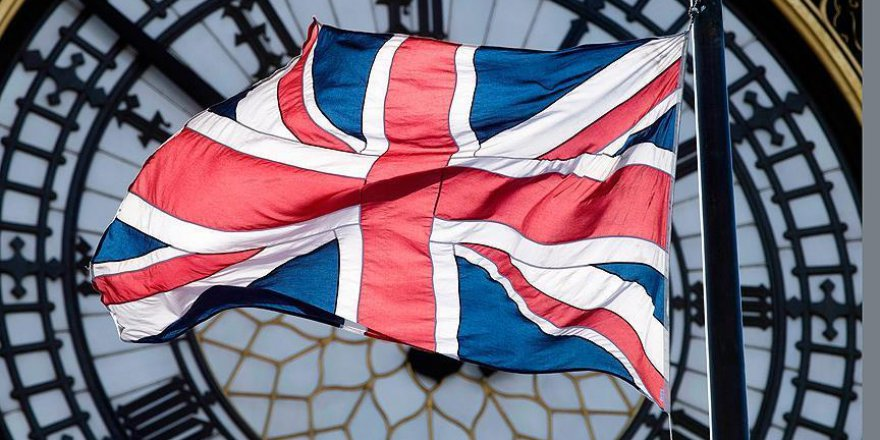 Brexit'in iptali için 5 milyon imza