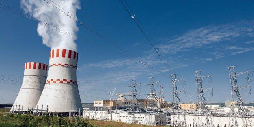 İran'dan Fransa'ya nükleer anlaşma eleştirisi