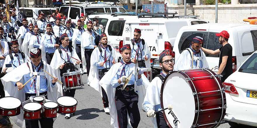 Kudüs sokaklarında Miraç bandosu