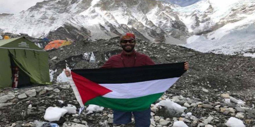 Filistinli genç tek bacağıyla Everest'e çıktı
