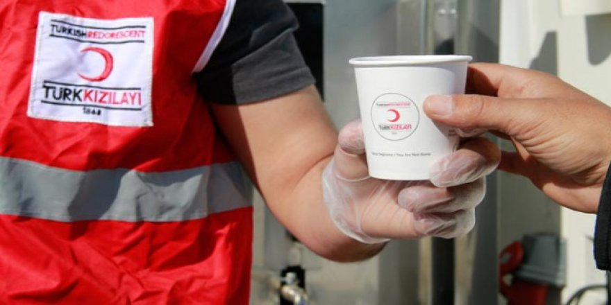 Türk Kızılayı'ndan Samsat'ta depremzedelere sıcak çorba