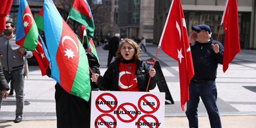 ABD'de Ermeni iddiaları protesto edildi