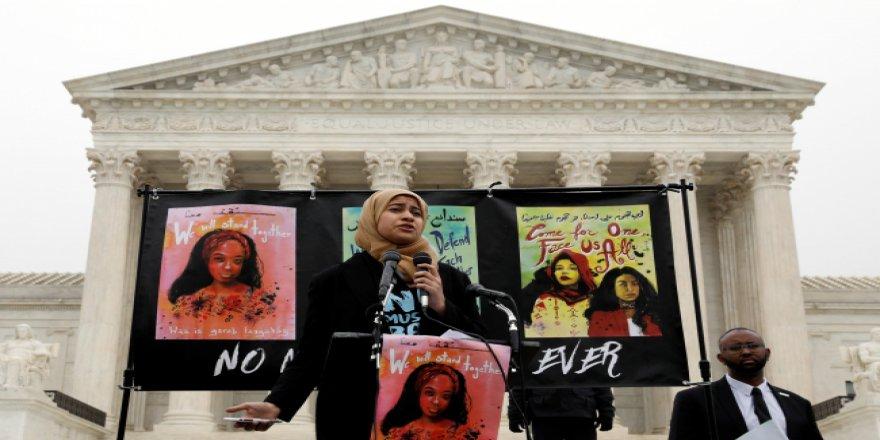ABD Anayasa Mahkemesi önünde Trump protestosu