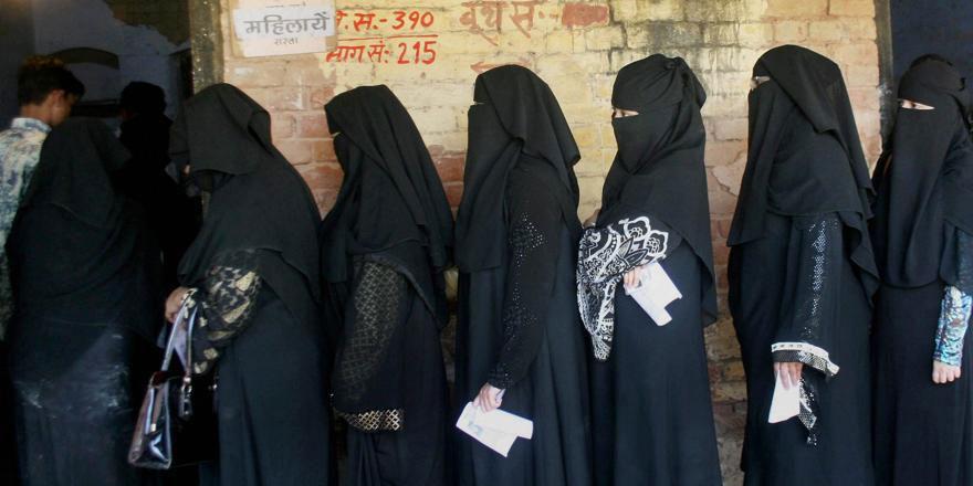 Hindistanlı Müslüman kadınlar Teravih namazı kılmak istiyor