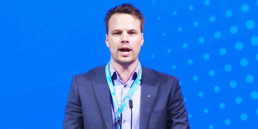 Norveçli acemi siyasetçinin Ezan'a alerjisi oluştu