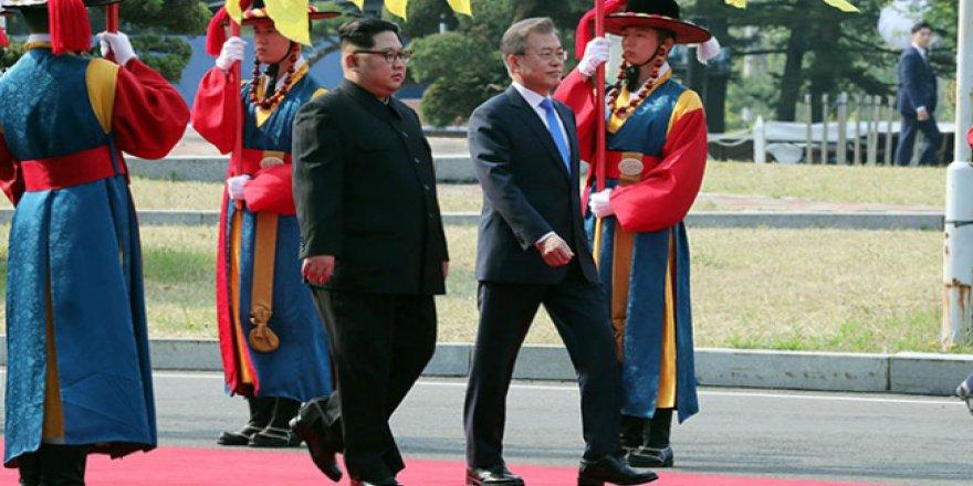 Kuzey ve Güney Kore liderleri ateşkes köyünde buluştu