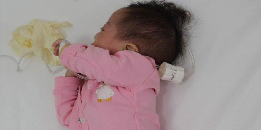 Kalbi delik bebek şifa buldu
