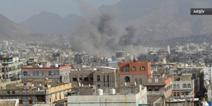 Husiler, Suudi Arabistan'a top mermisi attı: 1 ölü