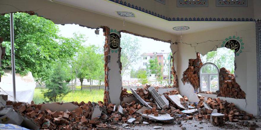 Depremde yıkılan camileri vatandaş inşa edecek