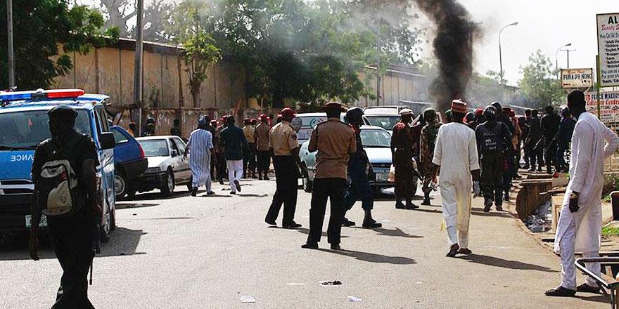 Müslümanlık adına Müslüman öldüren vahşet: Camiye intihar saldırısı 42 ölü