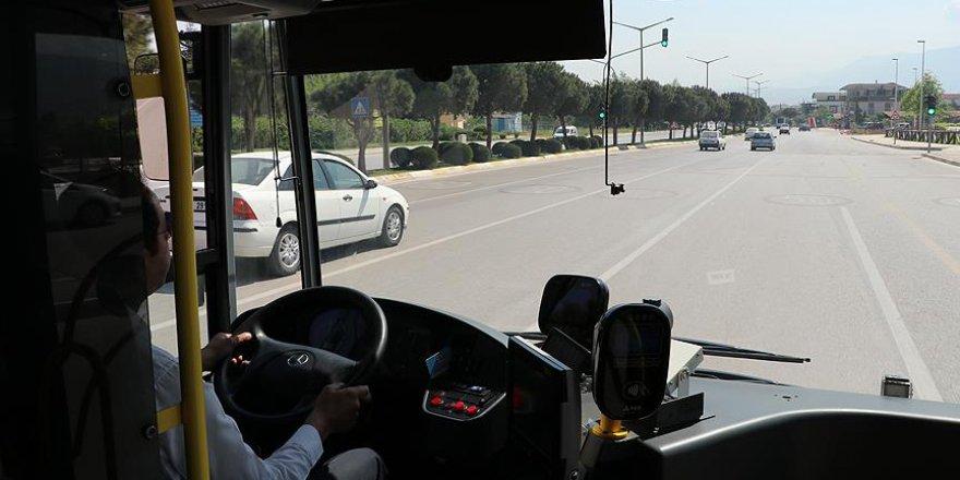 Kırmızı ışık bu otobüsü görünce yeşile dönüyor