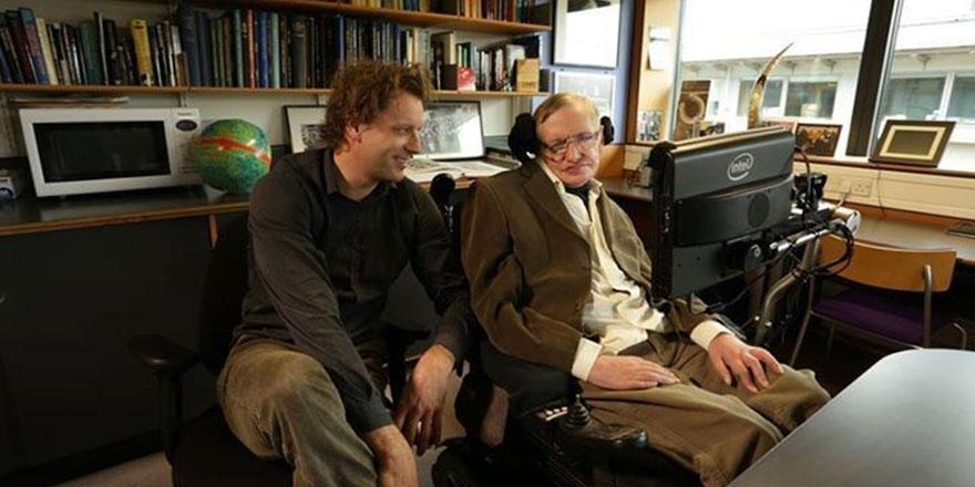 Hawking'in ölmeden önceki son makalesi: Kainat sonsuz değil