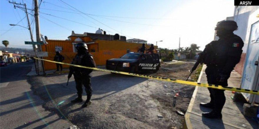 Meksika karıştı, 11 bin kişi evsiz kaldı