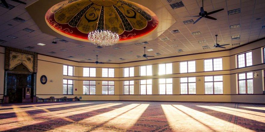 Amerika'da camilerin yanında Ramazan ve ibadet lobisi