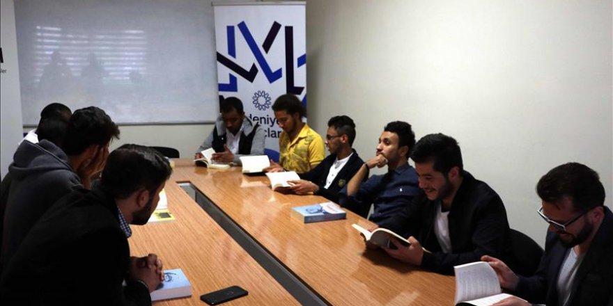 Medeniyetin Burçları Derneği, 'gönül elçisi' olacak öğrenciler yetiştiriyor