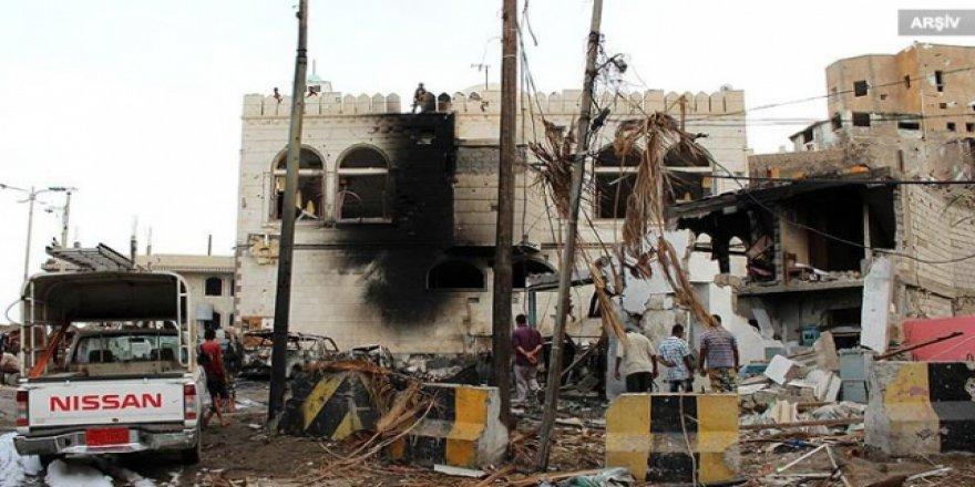 Yemen'de bombalı saldırı: 6 ölü