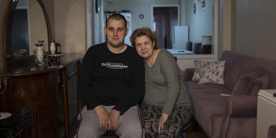 Hayatının 40 yılını hastanelerde geçirdi