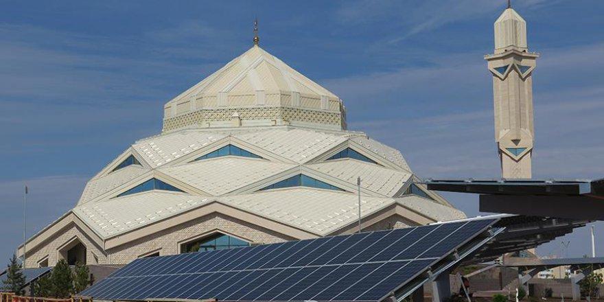 Irıskeldi Hac Cami Astana'ya enerji veriyor