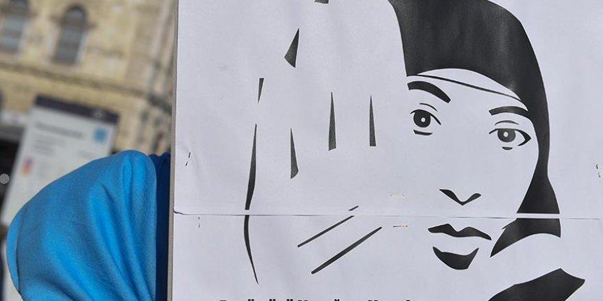 Avusturya İslam Cemaati'nden ülkedeki başörtüsü yasağına tepki