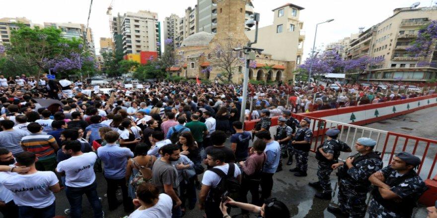 Lübnan'da seçim sonrası sokaklar karıştı