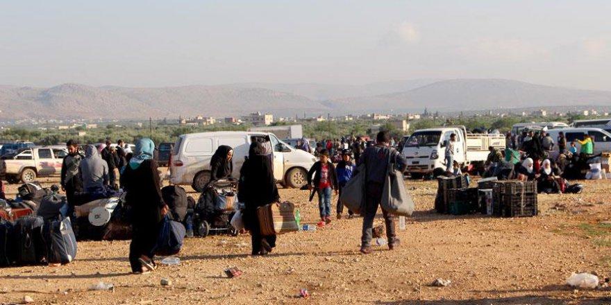 Kuzey Humus'tan ilk tahliye konvoyu kalktı