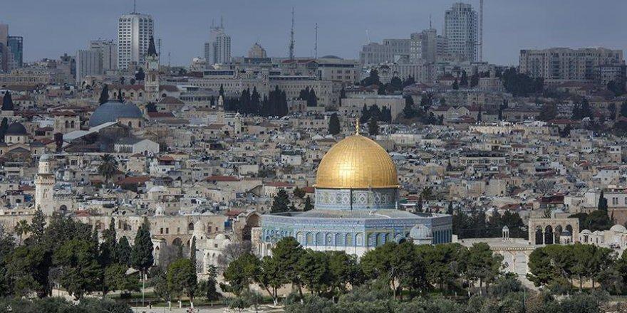 Gençler Kudüs yolunda