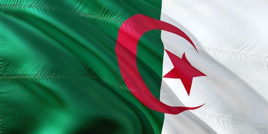 Fransa'nın Cezayirli bağımsızlık yanlılarına yönelik katliamının 73'üncü yılı