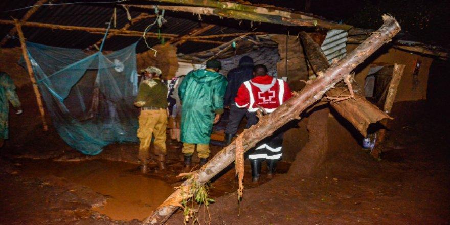 Kenya'da yağışlar barajı patlattı