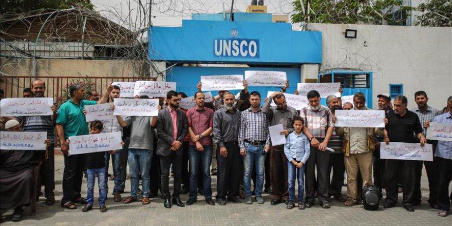 Gazze'de işçiler yaşam koşullarına isyan etti