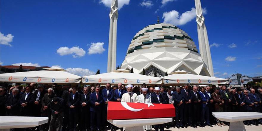Mehmed Niyazi Özdemir dualarla uğurlandı