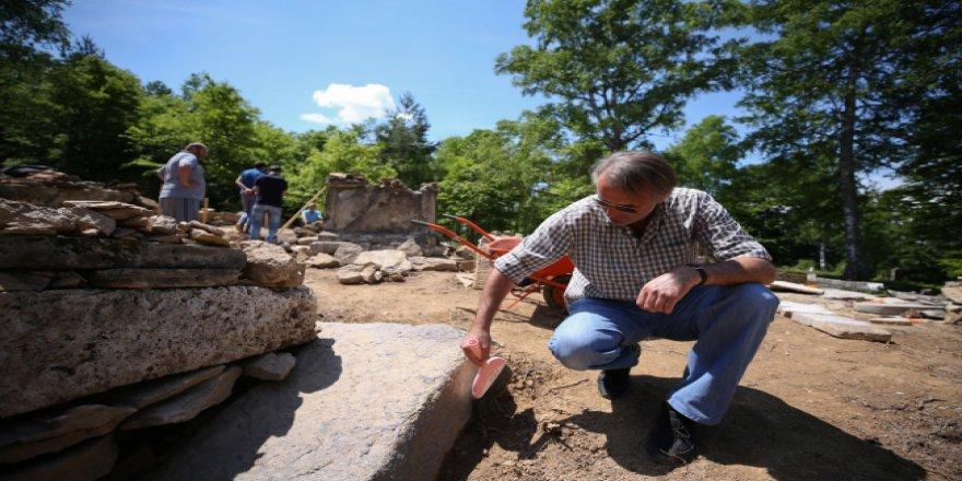 Bosna'nın 'en eski Müslüman mezarlığı' gün yüzüne çıkarılıyor