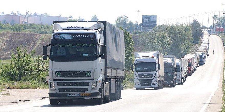 Bulgaristan'da arıza nedeniyle tır giriş çıkışı yapılamıyor
