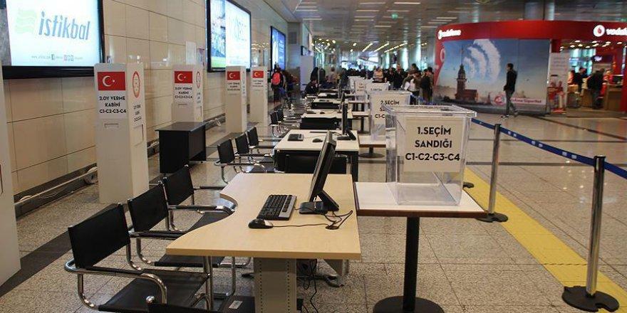 Atatürk Havalimanı'nda seçim hazırlıkları sürüyor