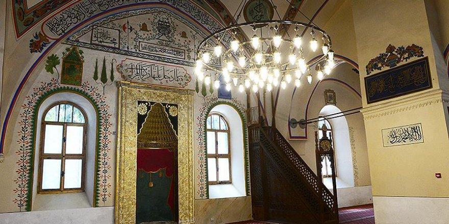 600 yıllık Uşak Ulu Cami ayağa kaldırıldı
