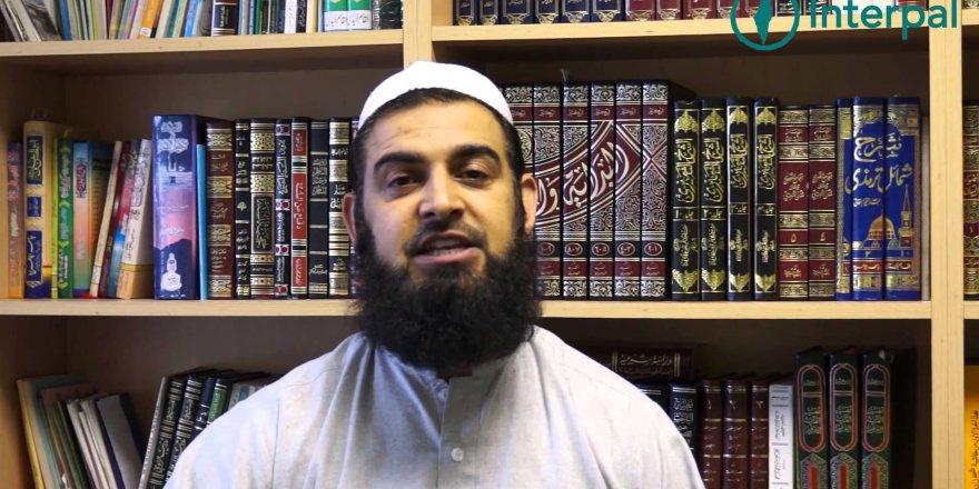 Bir Ramazan geleneği: İmam en saçma soruları cevaplıyor
