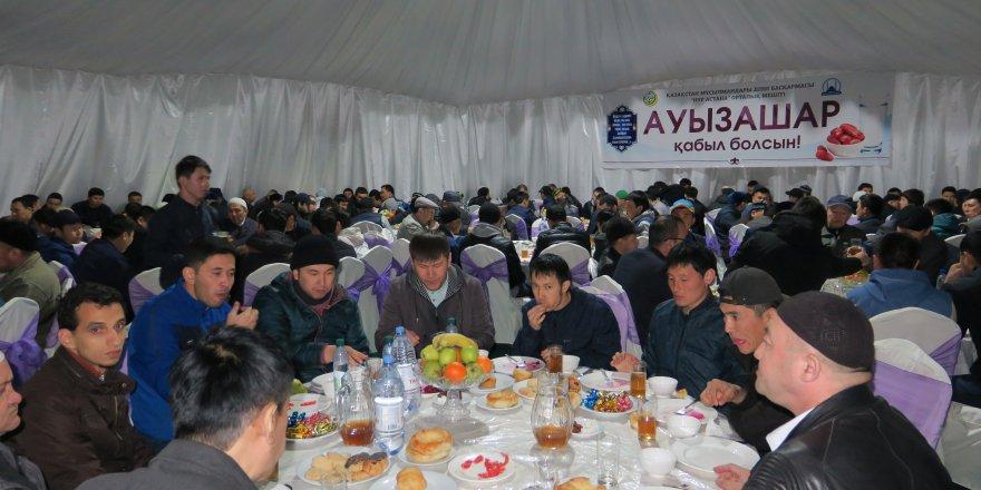 Kazakistan ilk iftarı dün yaptı