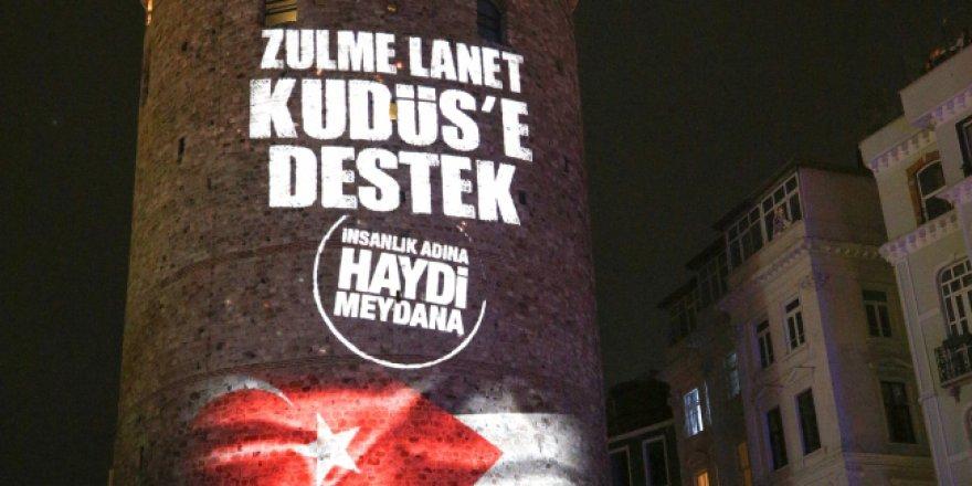 """""""Kudüs"""" mitinginin afişi Galata Kulesi'ne yansıtıldı"""