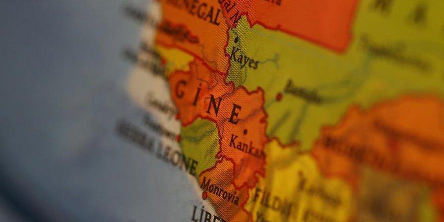 Gine'de başbakan ve hükümeti istifa etti