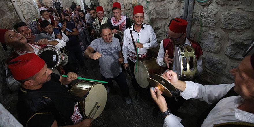 Kudüs sokaklarında Peygamber coşkusu