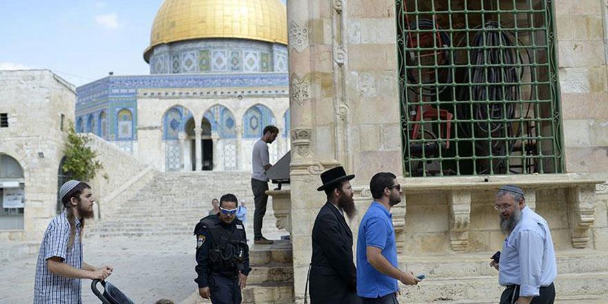 İsrail Polisi zorbalığına Mescid-i Aksa'da devam etti