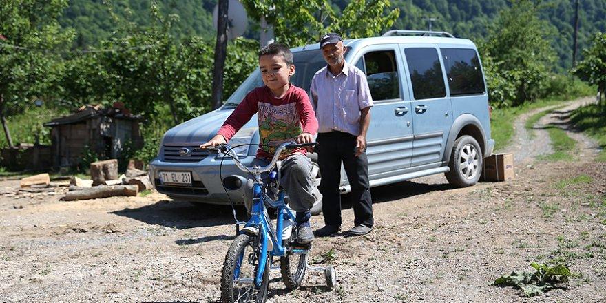 Engelli öğrencilerinin bisiklet hayalini gerçekleştirdiler