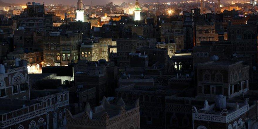 Yemen'de bidat diyerek teravihin sesini kıstılar