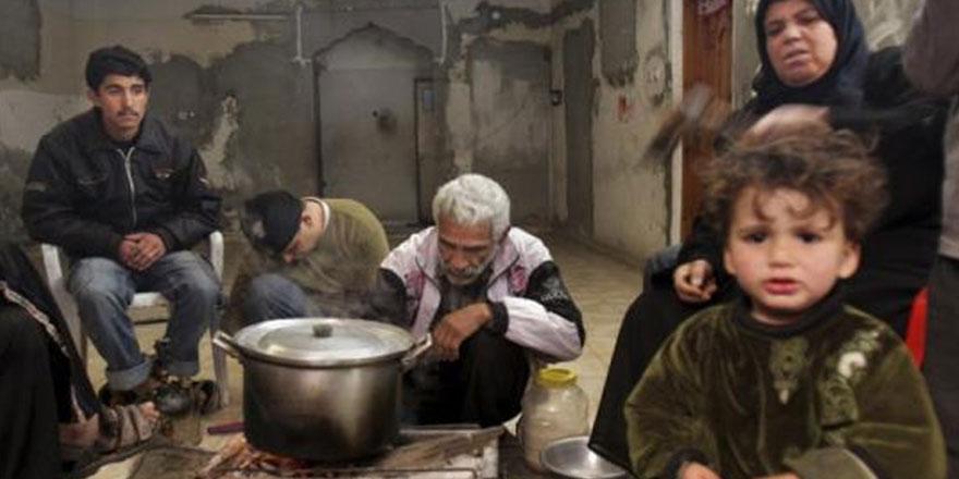 Gazze'de yüzbinler yokluktan sahursuz oruç tutuyor