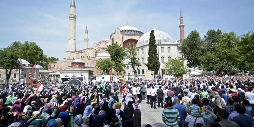 Türkiye Kitap ve Kültür Fuarı Ayasofya meydanında açıldı