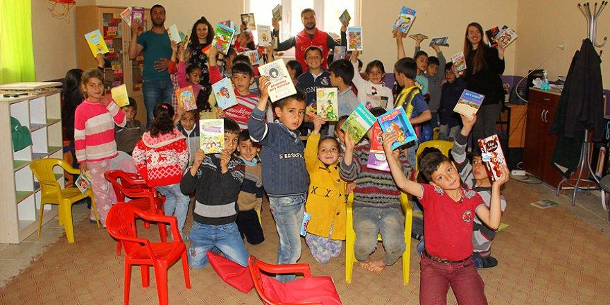 Gönüllüler köy okullarının çehresini değiştiriyor