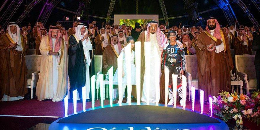 Suudi Arabistan kendini eğlenceye verdi