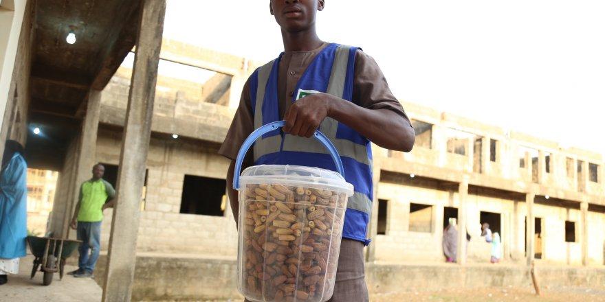 Nijerya'da on binlerce kişi iftar ve sahurda buluşuyor