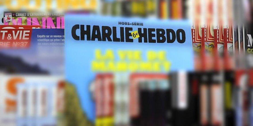 Fransa'da Charlie Hebdo'ya ırkçılık tepkisi